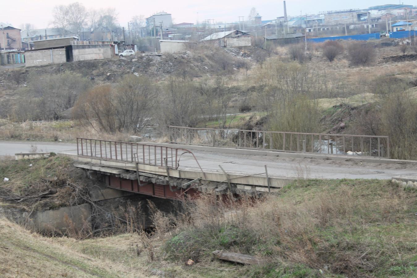 Состояние моста, соединяющего район Пульсометр и Железнодорожный район