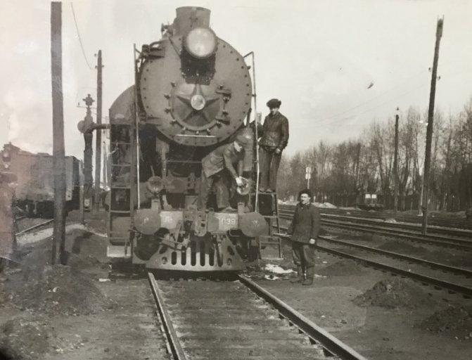 Паровоз 1-5-0 серии Л-1039, станция Иланская, 1950-е.