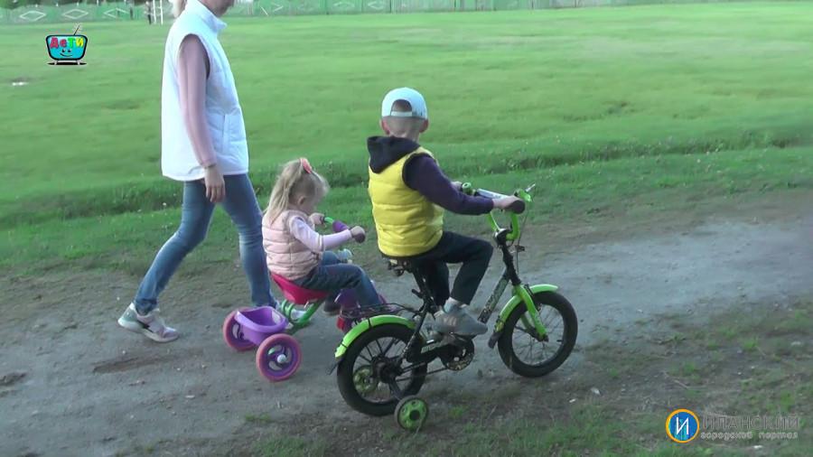В День семьи любви и верности в Иланском прошел велопробег