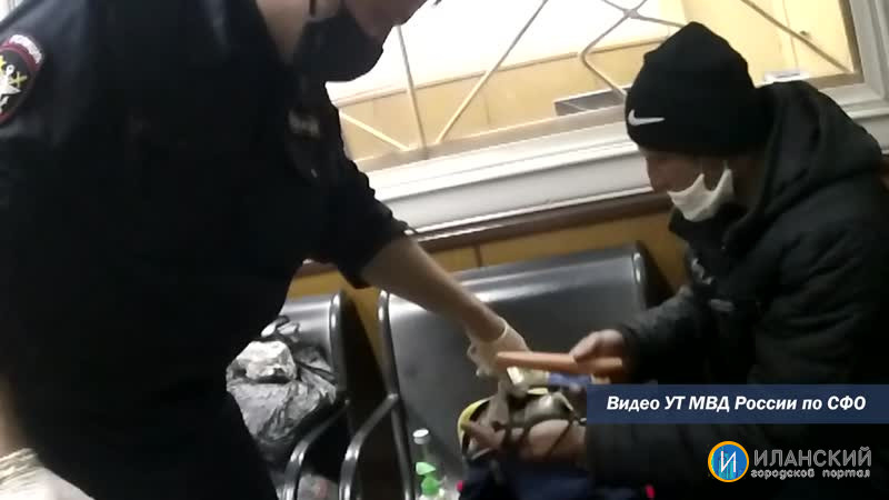 Транспортные полицейские раскрыли кражу 50 тысяч рублей в пассажирском поезде