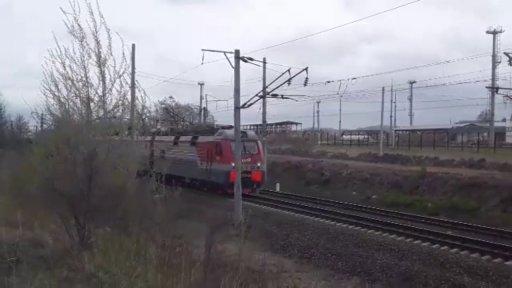 """Дневной Иланский гость. Электровоз 3ЭС5К-955 """"Ермак"""" с грузовым поездом и приветливый помощник"""